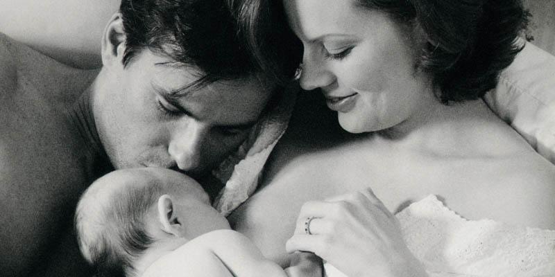 Il clima familiare e il sostegno facilitano notevolmente l'allattamento al seno del neonat